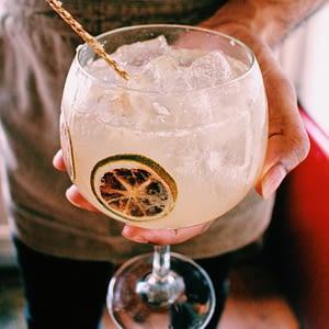 Perfect Mixes cocktails Swing Gouda bar