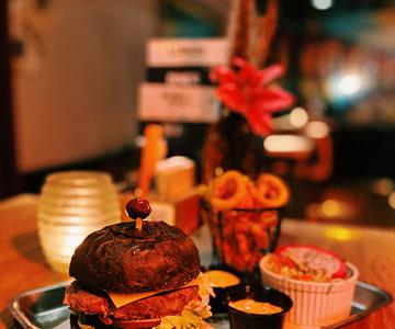 Old Gouda burger goudse burger restaurant uiteten goedkoop swing gouda